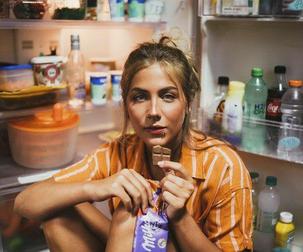 Terapia de Adultos - Problemas de alimentacion - foto interior texto - Mentalea pamplona
